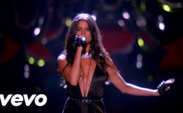 Selena Gomez - Hands To Myself/Me & My Girls - Medley | (Victoria's Secret 2015)