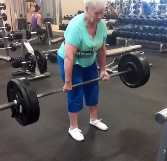 78-years-old-deadlift