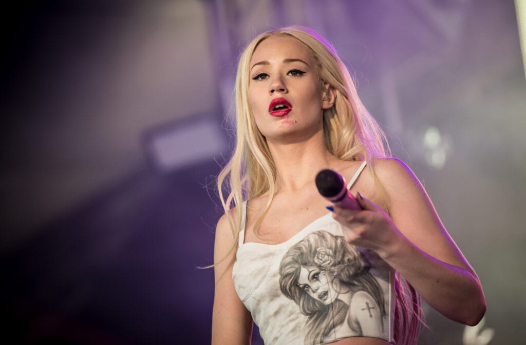 Iggy-Azalea-Sexy-Wallpapers