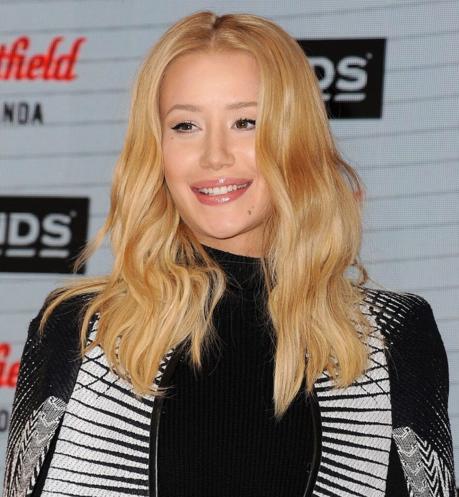 SYDNEY, AUSTRALIA - AUGUST 20: Iggy Azalea greets fans at Westfield Miranda on August 20, 2015 in Sydney, Australia. (Photo by Mark Sullivan/WireImage,)